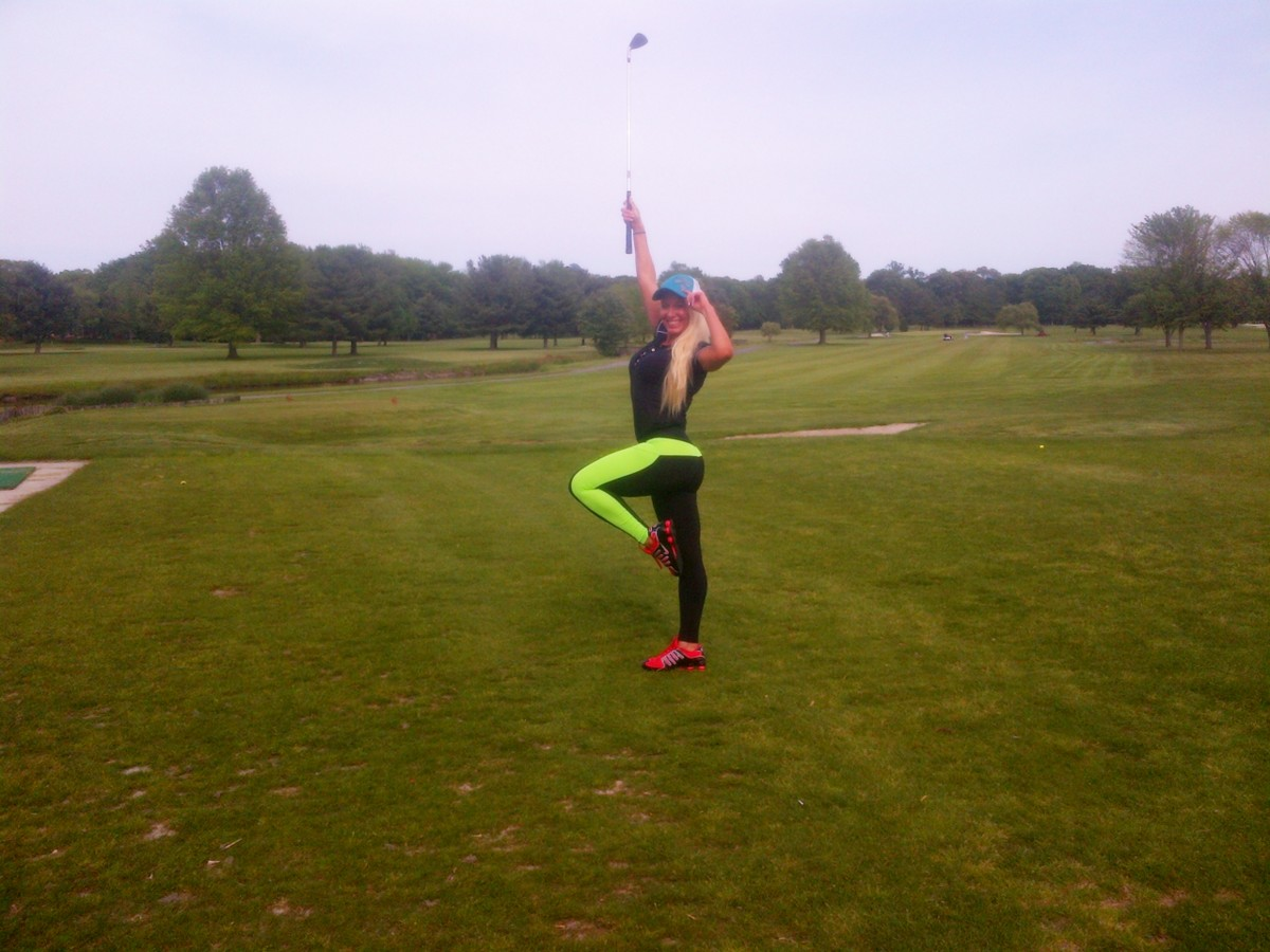 SHAWN RENE ZIMMERMAN FITNESS MODEL GOLFING
